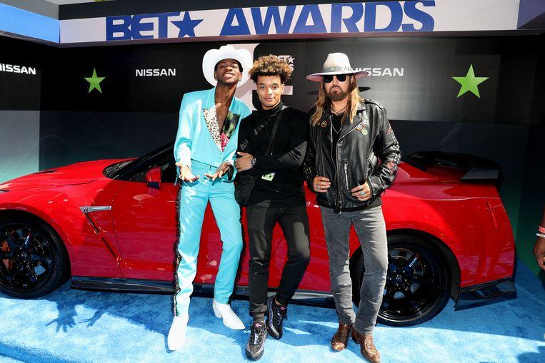 Lil Nas X, YoungKio, en Billy Ray Cyrus op de BET Awards