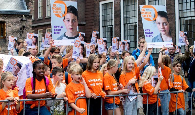 Kinderen demonstreerden vorige week op het Binnenhof tegen uitzetting van twee Armeense klasgenoten. Beeld ANP