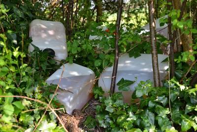 Diverse vaten aangetroffen in bosjes achter woningen in Breda