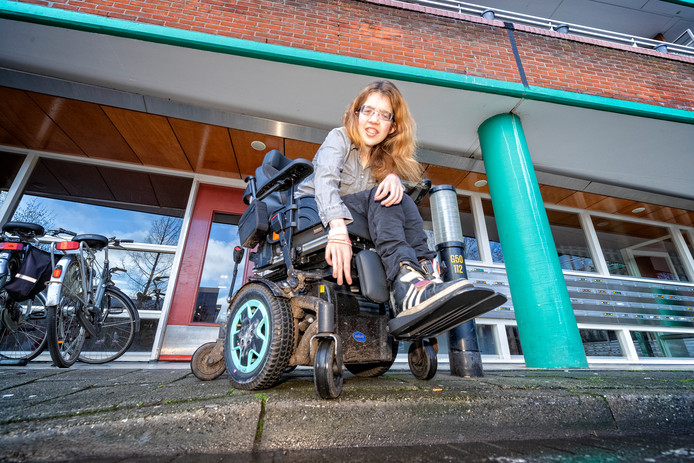 """Annette den Hollander: ,,Als de rolstoel niet goed is, is dat niet goed voor mijn gezondheid."""""""