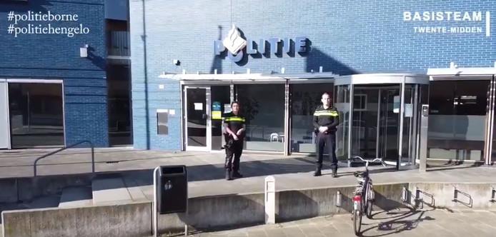 Beeld uit de video van de politie in Hengelo en Borne.