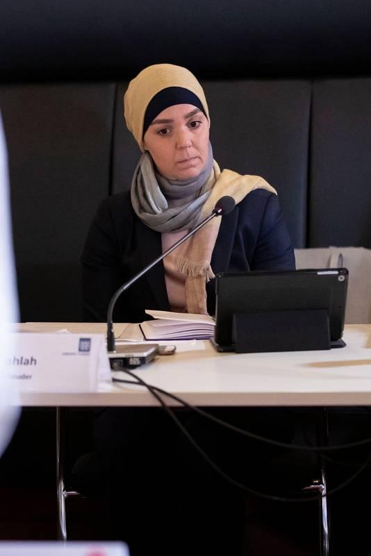 Wethouder Esmah Lahlah tijdens het raadsdebat.