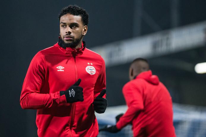 PSV besloot de afwezigheid van Jürgen Locadia zelf te melden.