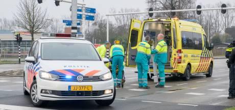 Fietser aangereden door auto op Ringbaan-Zuid in Tilburg