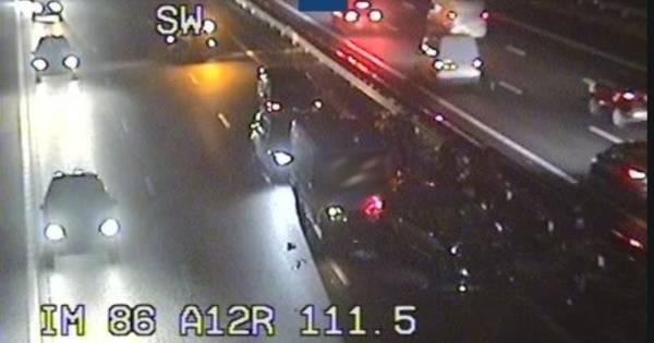 24 kilometer file op A12 naar Utrecht in ochtendspits vol ongelukken.