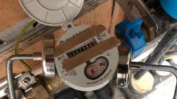 """Simpel trucje legt watermeter stil, watermaatschappij waarschuwt: """"Diefstal wordt altijd aangegeven"""""""