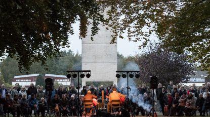 Intiem concert op stedelijke begraafplaats