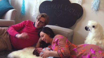 Een vertederende blik achter de schermen: Stijn en Nuria tonen hun zoontje Victor voor het eerst