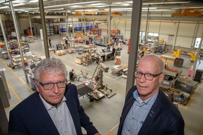 John de Smit (r) van BKL in Nuenen met Jan Adams van Anvil Industries, een groep bedrijven van investeerder Vado in Eindhoven.