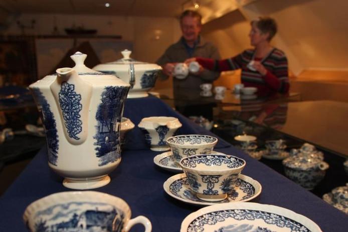 Een deel van de serviescollectie van Museum Palthehof in Nieuwleusen. Archieffoto Tom van Dijke