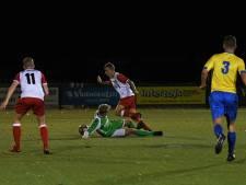 Rood Wit V. winnaar in Veldhovense derby: RKVVO kleurt diep rood