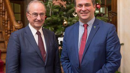 """Burgemeester Kris Declercq neemt afscheid van z'n voorganger Luc Martens: """"Luc is de architect van onze moderne stad"""""""