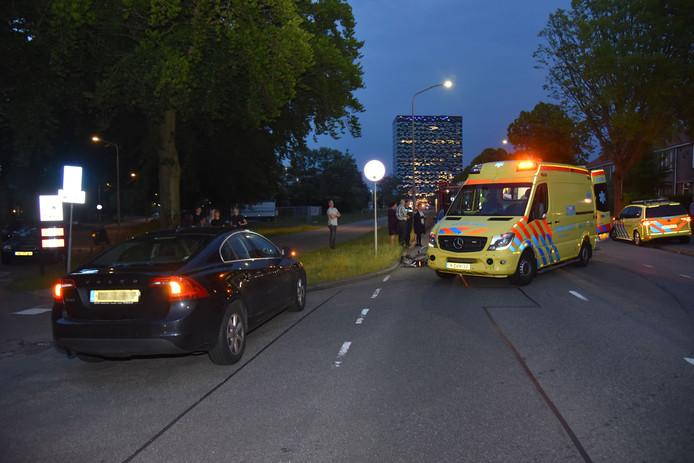 Een vrouw raakte gewond na een aanrijding op de Muntweg in Nijmegen.