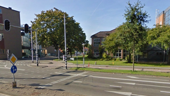 Het jongetje liep met zijn moeder langs de Ringweg Kruiskamp in Amersfoort.