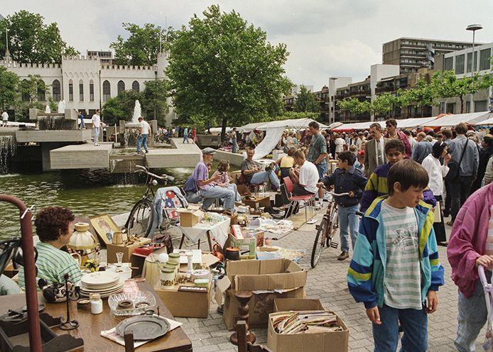 De binnenstad stond vol met kraampjes tijdens de Meimarkt in 1993.