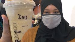 Moslima gechoqueerd omdat barista 'ISIS' op haar koffie schrijft