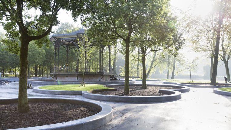 Uit twee onafhankelijke rapporten bleek dat de renovatie van het Oosterpark een averechts effect heeft gehad op de waterhuishouding van het park. Beeld Catharina Glogowski
