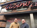 Peter Santegoets (l) en Michael Chen gaan de foodhal in de oude Casino-bioscoop exploiteren.