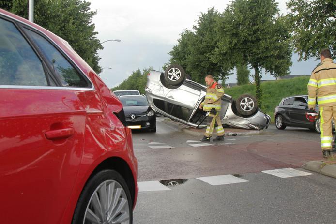 Drie auto's waren betrokken bij het ongeluk aan de Havezatheallee in Zwolle