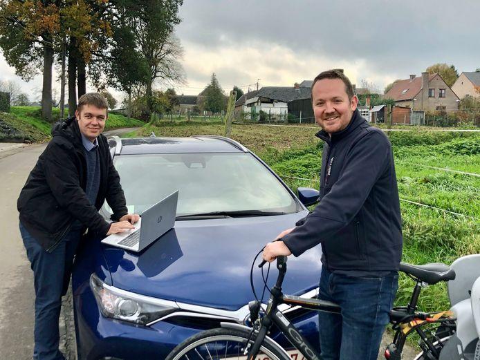Schepenen Evert De Smet en Brecht Cassiman roepen de inwoners van Zottegem op om mee te denken over het nieuwe mobiliteitsplan van de stad.
