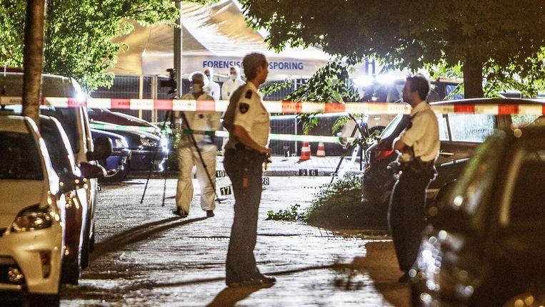 De politie op de plek van de liquidatie van Gwenette Martha, vorige week vrijdag in Amstelveen Beeld Amaury Miller