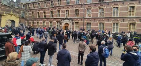 Hutjemutje op het Binnenhof: 'De val van het kabinet is de enige attractie die open is'