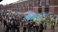 Kleurenpoeder, muziek en een streepje zon: Color Bang lokt honderden feestvierders