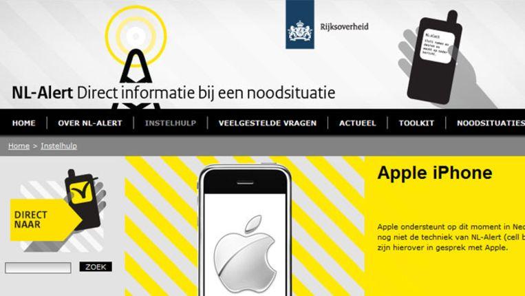 De site van NL Alert meldt dat de overheid nog in gesprek is met Apple over doorgifte van de alarm-sms. Beeld NL-Alert