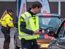 Politie int 18.000 euro en legt beslag op 8 auto's bij Brouwersdam