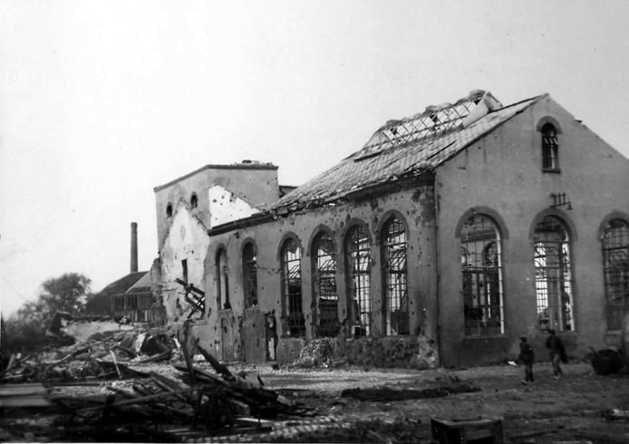 Roosendaal: Oorlogsschade Het Anker in Roosendaal, 1944 Foto  Jan Sturm/Collectie West-Brabants Archief