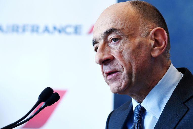 Jean-Marc Janaillac koppelt zijn lot aan de bevraging van het personeel over nieuwe loonvoorwaarden.