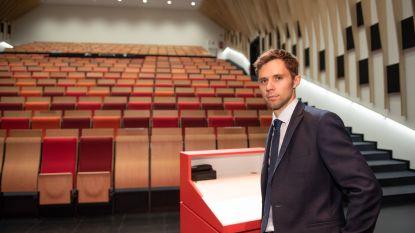Moderne aula is blikvanger van nieuwe schoolvleugel Bernarduscollege