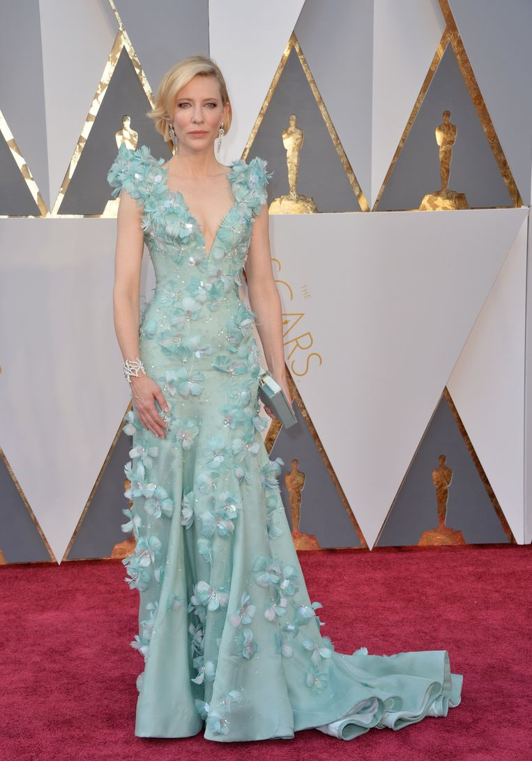 Cate Blanchett in Armani Private (2016). The 15 most memorable dresses from the history of the Oscars