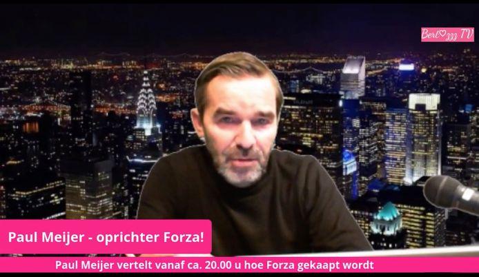 Paul Meijer, oprichter van Forza! tijdens de live-uitzending op Facebook.
