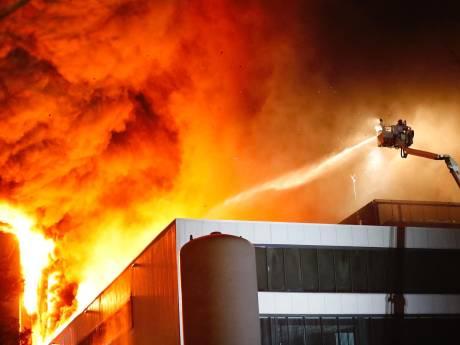 Sonse brandweer gepasseerd bij grote brand Prodrive