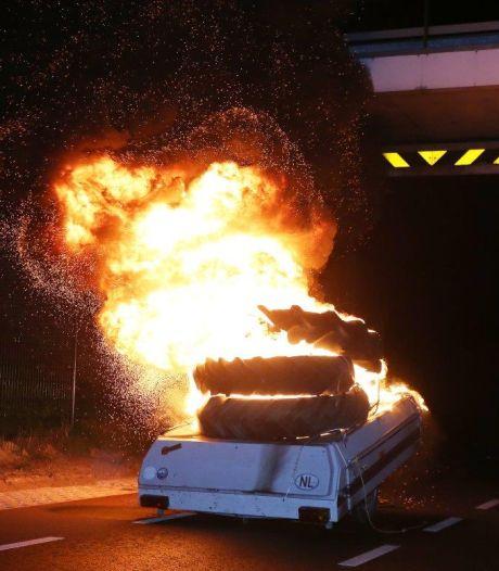 Dertien keer brand: het was een drukke nacht voor brandweer en politie