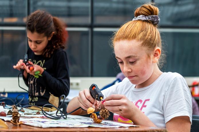 Eloise Meinders(12) en Lara Kabbani(8).