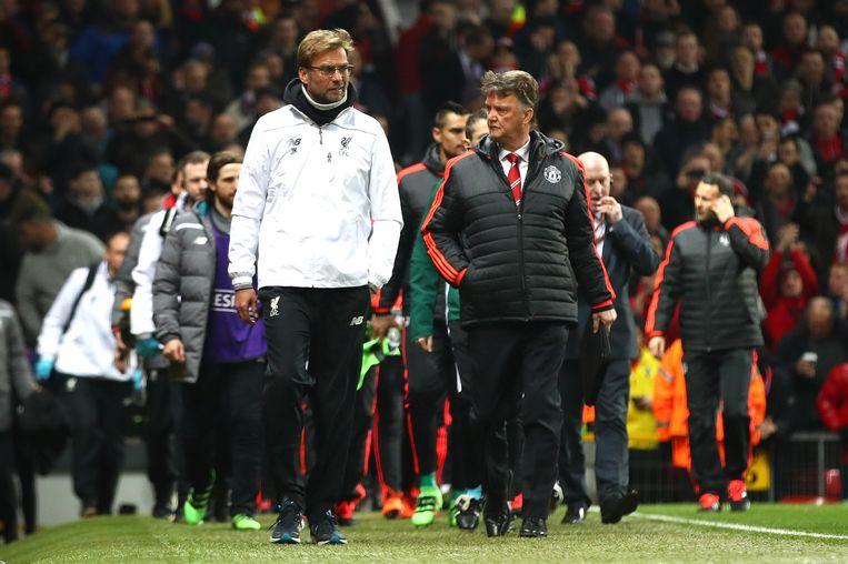 In gesprek met Liverpool-coach Jürgen Klopp voor het onderlinge treffen in de Europa League op donderdag. Beeld Getty Images