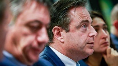 """Van """"slimme zet"""" tot """"schertsvertoning"""": de opvallendste Twitter-reacties na persconferentie De Wever"""