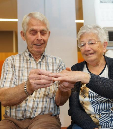 Drie verloren trouwringen terug bij familie na oproep ziekenhuis Harderwijk: Sophie Bruijgoms (76) uit Zeewolde is dolblij