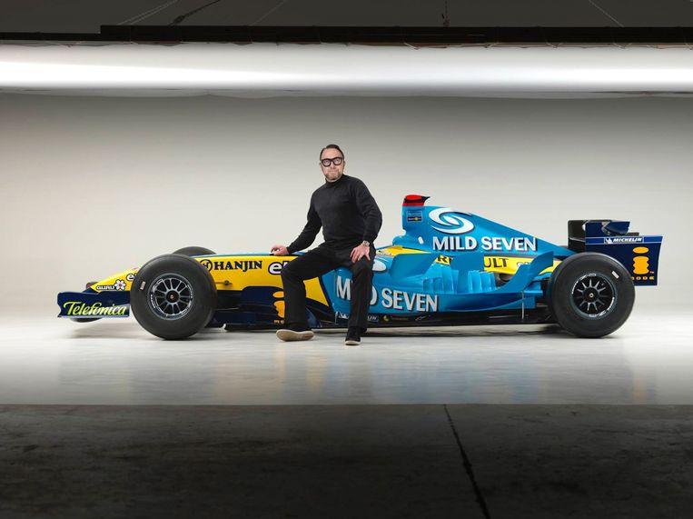 Mathieu Damiens had zelfs al de F1-wagen waarmee Fernando Alonso het wereldkampioenschap won in 2005 in z'n studio.