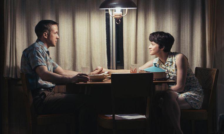 De astronaut en zijn vrouw, gespeeld door Claire Foy Beeld -