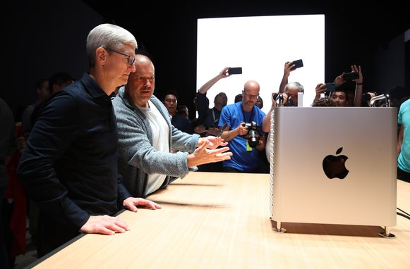 CEO van Apple, Tim Cook, bij de voorstelling van de Mac Pro vorig jaar.