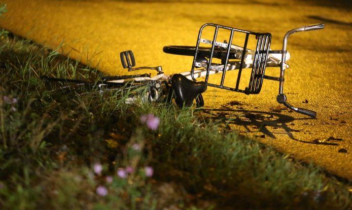 De  fiets die zaterdagnacht met Indy Verhallen (17) werd geschept op de hoek van de Harendonkweg-Bruistensingel in Den Bosch.