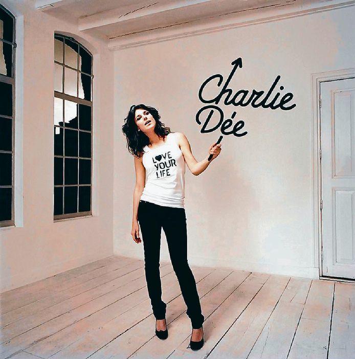 Charlie Dée zoekt foto's van vóór corona