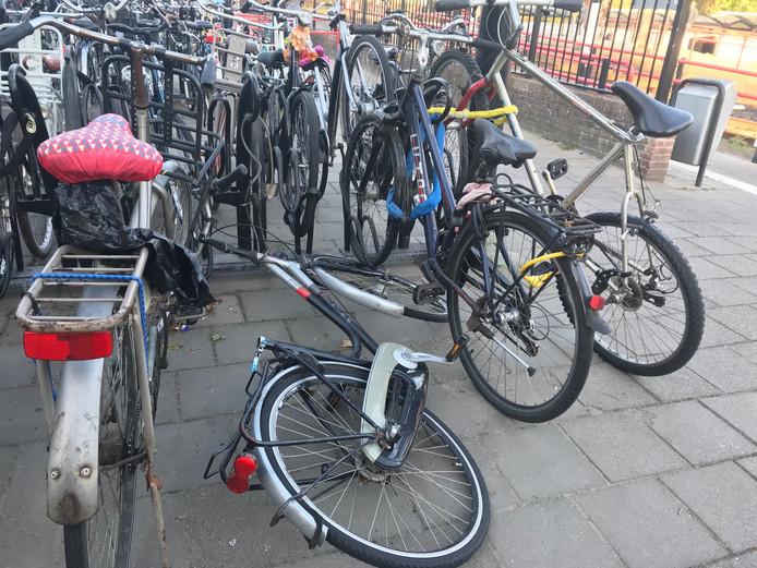 Zwerffietsen bij station Etten-Leur.