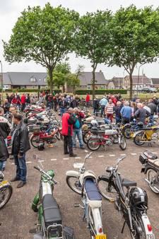 Grootschalig jubileum voor Oldtimer Bromfietsrit in Staphorst