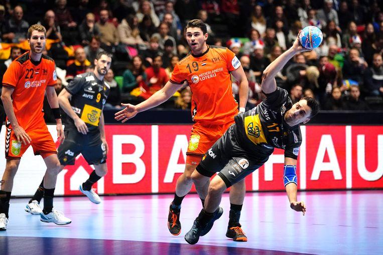 De Nederlandse handballers konden op het EK niet voor een stunt zorgen tegen Spanje. Beeld AFP