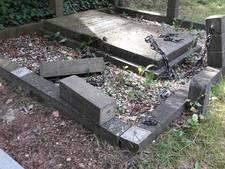 Graven op oude begraafplaats Doorn vernield: 'Laffe daad'