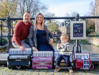 Zanger en accordeonist Johan Veugelers wordt voor de tweede keer papa